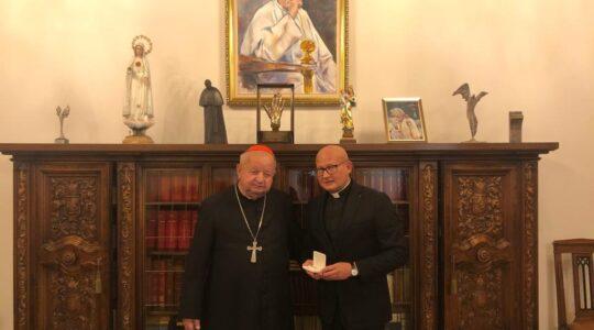 Przekazanie naszej parafii relikwii św. Jana Pawła II